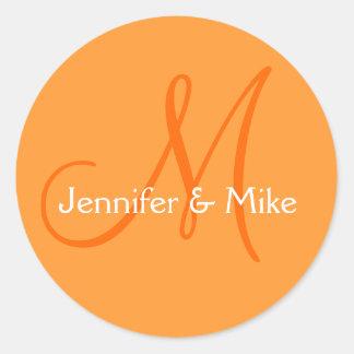 Orange Weiß nennt Monogramm-Gastgeschenk Runder Aufkleber
