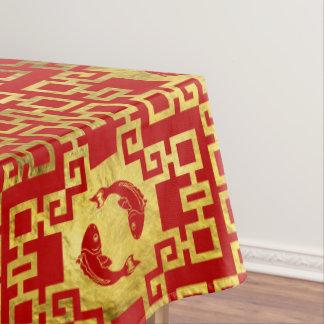Orientalisches Luxusgold auf rotem Koi Tischdecke