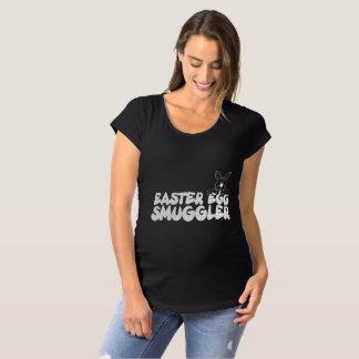 Osterei-Schmuggler Umstands-T-Shirt