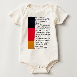 Ostseiten Galerie, Berliner Mauer, Commerate Fall Baby Strampler