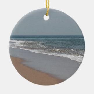 Ozeanstrand an der nationalen Küste auf Cape Cod Rundes Keramik Ornament