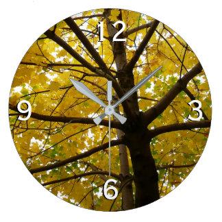 Paare der gelben Ahornbaum-Herbst-Natur Große Wanduhr