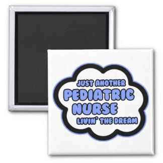 Pädiatrische Krankenschwester. Livin der Traum Quadratischer Magnet