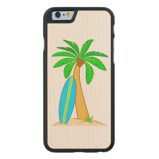 Palme mit Surfbrett Carved® iPhone 6 Hülle Ahorn