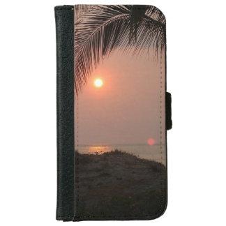 Palmesonnenuntergang in Costa Rica iPhone 6/6s Geldbeutel Hülle