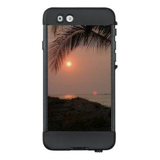 Palmesonnenuntergang in Costa Rica LifeProof NÜÜD iPhone 6 Hülle