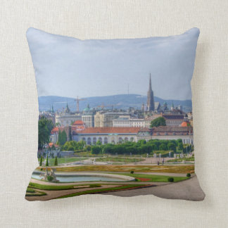 Panoramablick über Wien Österreich vom Belvedere Zierkissen