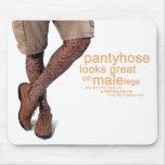 Pantyhose schaut groß auf meinen männlichen Beinen