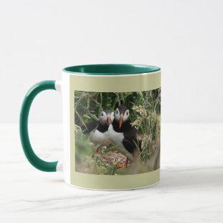 Papageientaucher-Paare Tasse