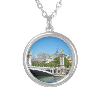 Paris, Frankreich Halskette Mit Rundem Anhänger