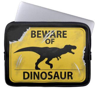 Passen Sie vom Dinosaurier auf (beschädigt) Laptop Sleeve