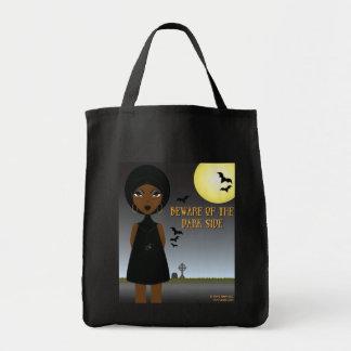 Passen Sie von der dunklen Seitentasche auf Tragetasche