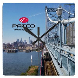 PATCO Philadelphia Skyline-Wanduhr - Quadrat Quadratische Wanduhr