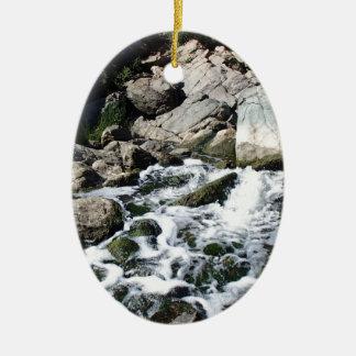 Penasquitos Wasserfall Ovales Keramik Ornament