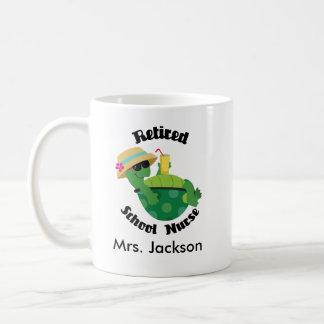 Pensionierte Schulkrankenschwester-personalisierte Kaffeetasse