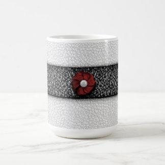Perlen-Blume und Spitze Tasse