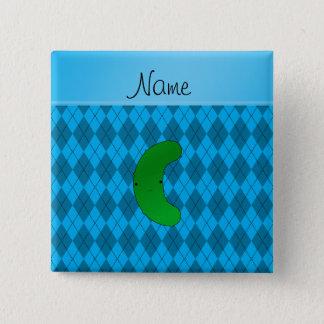 Personalisierte Namensessiggurkenhimmelblau-Raute Quadratischer Button 5,1 Cm