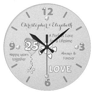 Personalisierte silberne Hochzeits-25. Große Wanduhr