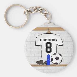 Personalisierter weißer schwarzer Fußball-Fußball Standard Runder Schlüsselanhänger