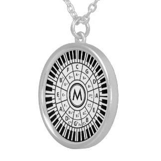 Personalisiertes Klavier befestigt Kreis von Versilberte Kette