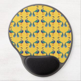 Pfaus mit gelbem Hintergrund Gel Mousepad