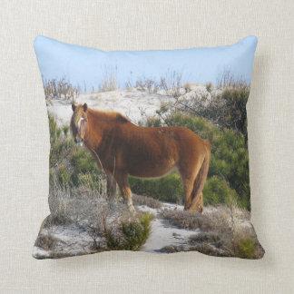 Pferd in den Bergen Kissen