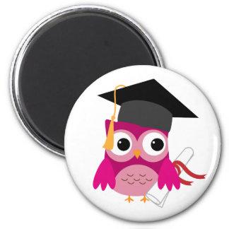 Pinkfarbene rosa Eule mit Diplom-Abschluss-Magnete