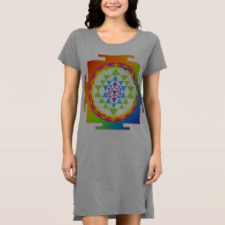 PixDezines Sri Yantra/Regenbogen Kleid