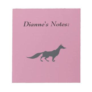 Playfully elegante Hand gezeichneter grauer Fox Notizblock