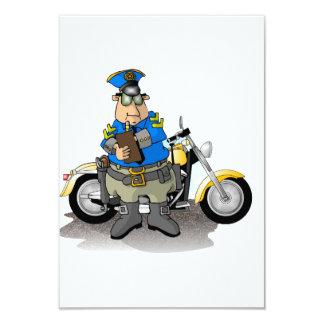 Polizeibeamte, der eine Karten-Einladungen 8,9 X 12,7 Cm Einladungskarte