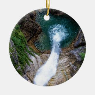 Pollat Fluss-Wasserfall - Neuschwanstein-Schloss Rundes Keramik Ornament