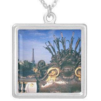Pont Alexandre III Brücken-und Eiffel-Turm Halskette Mit Quadratischem Anhänger