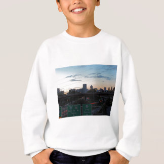 Portland-Skyline am Sonnenuntergang Sweatshirt