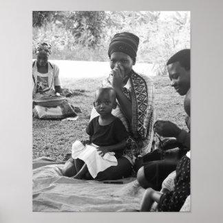 Porträt der Ugandanmutter ein Kind Poster