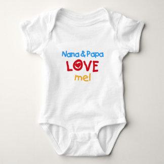 Primärfarben Nana und Papa-Liebe ich Babybody