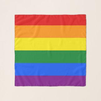 Quadratischer Schal mit Regenbogen-Stolzflagge von