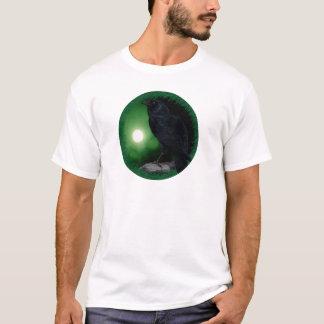 Rabe unter dem grünen Mond T-Shirt
