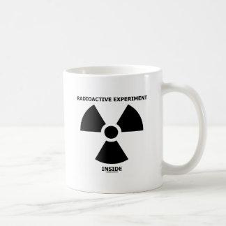 Radioaktives Experiment-Innere (radioaktives Tasse