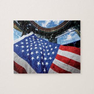 Raumstations-Flagge-Umlaufbahn der Erde Puzzle