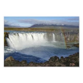 Regenbogen über Godafoss Wasserfall, Island Fotodruck
