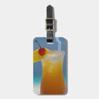 Reise-tropisches Cocktail mit Kirsche Kofferanhänger