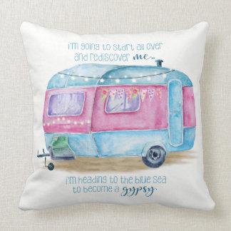 Retro Camper-Wohnwagen-blaues, rosa und weißes Kissen