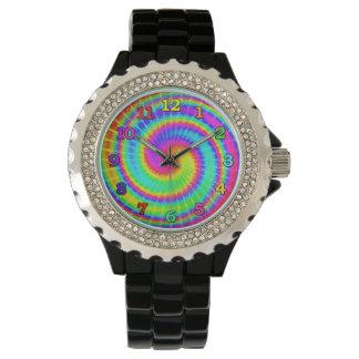 Retro gefärbte KrawatteHippie psychedelische 2 Uhr