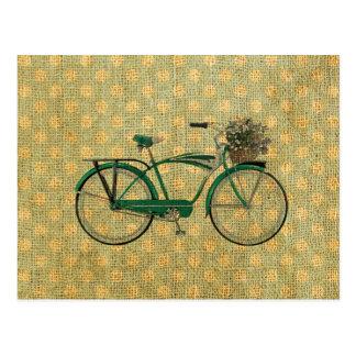Retro grünes Fahrrad mit Blumen-Korb Postkarten