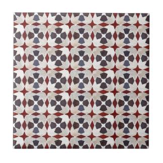 Retro marokkanisches Muster (rot, blau, beige) Kleine Quadratische Fliese