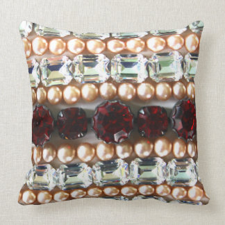 Rhinestones und Perlen - Vintager Schmuck Kissen