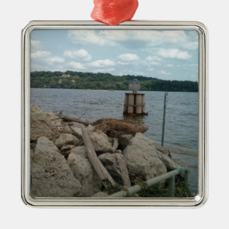 Riverwalk Dubuque Iowa Fluss Mississipi Quadratisches Silberfarbenes Ornament