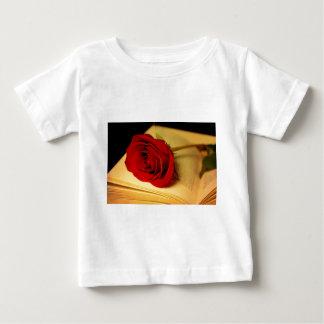 Romance in der Literatur Baby T-shirt
