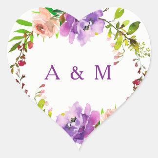 Romantische lila Blumenhochzeits-Initialen Herz-Aufkleber