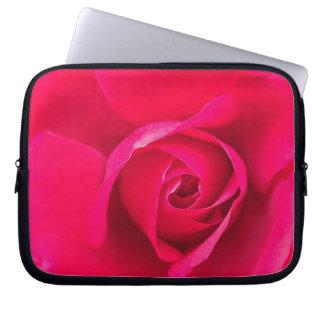 Romantische rote rosa Rose v2 Laptopschutzhülle